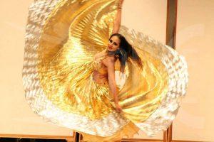 Bellydancer Isis Wings